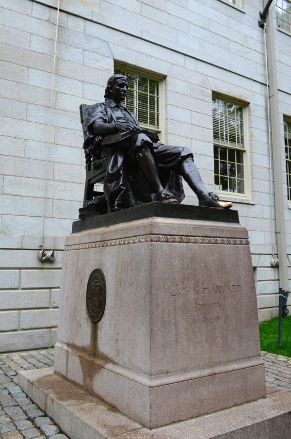 04  Statue John Harvard Harvard University